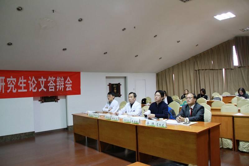 江苏大学硕士研究生论文答辩会答辩委员会席-第一组(修).jpg